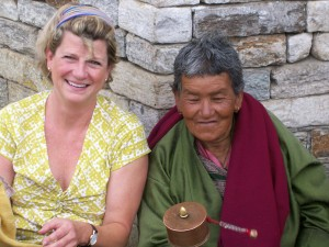 Marianne and Bhutanese woman at National Memorial Chorten