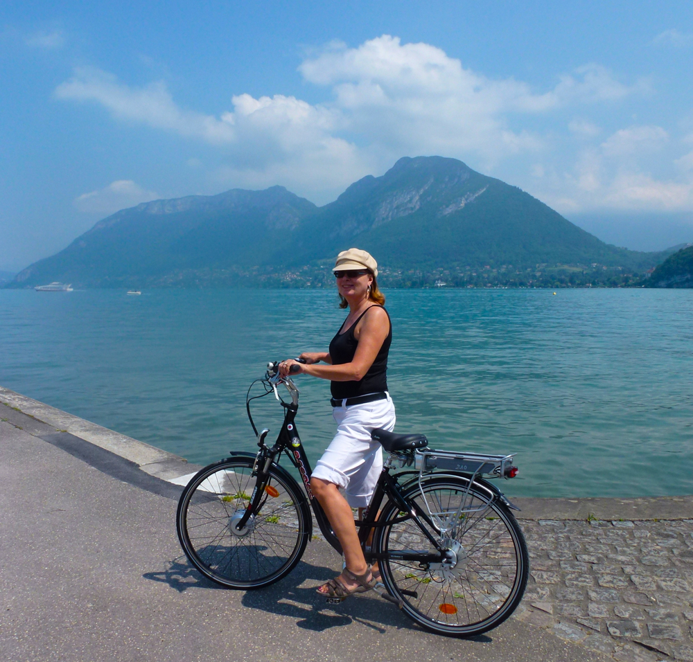 Cycling Lake Annecy