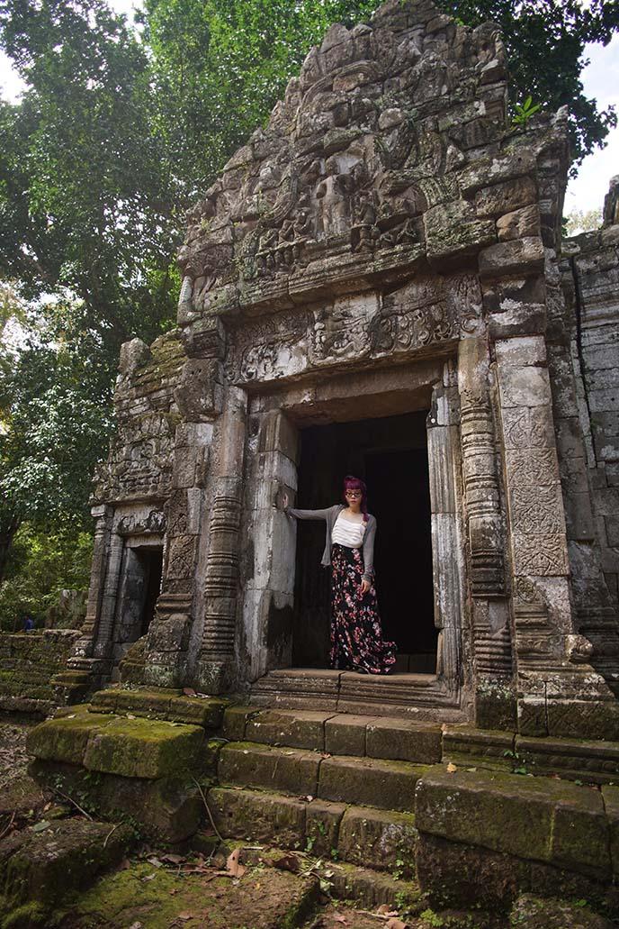 angkor-wat-cambodia-ruins-temples-travel-blog