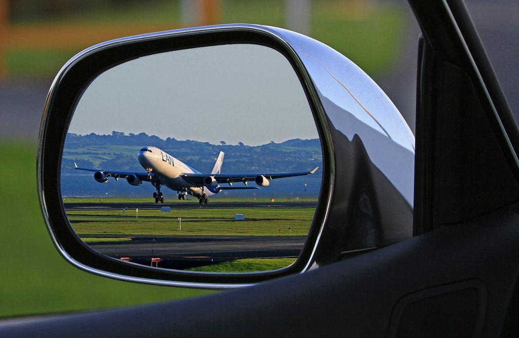 passenger-traffic-122999_1280