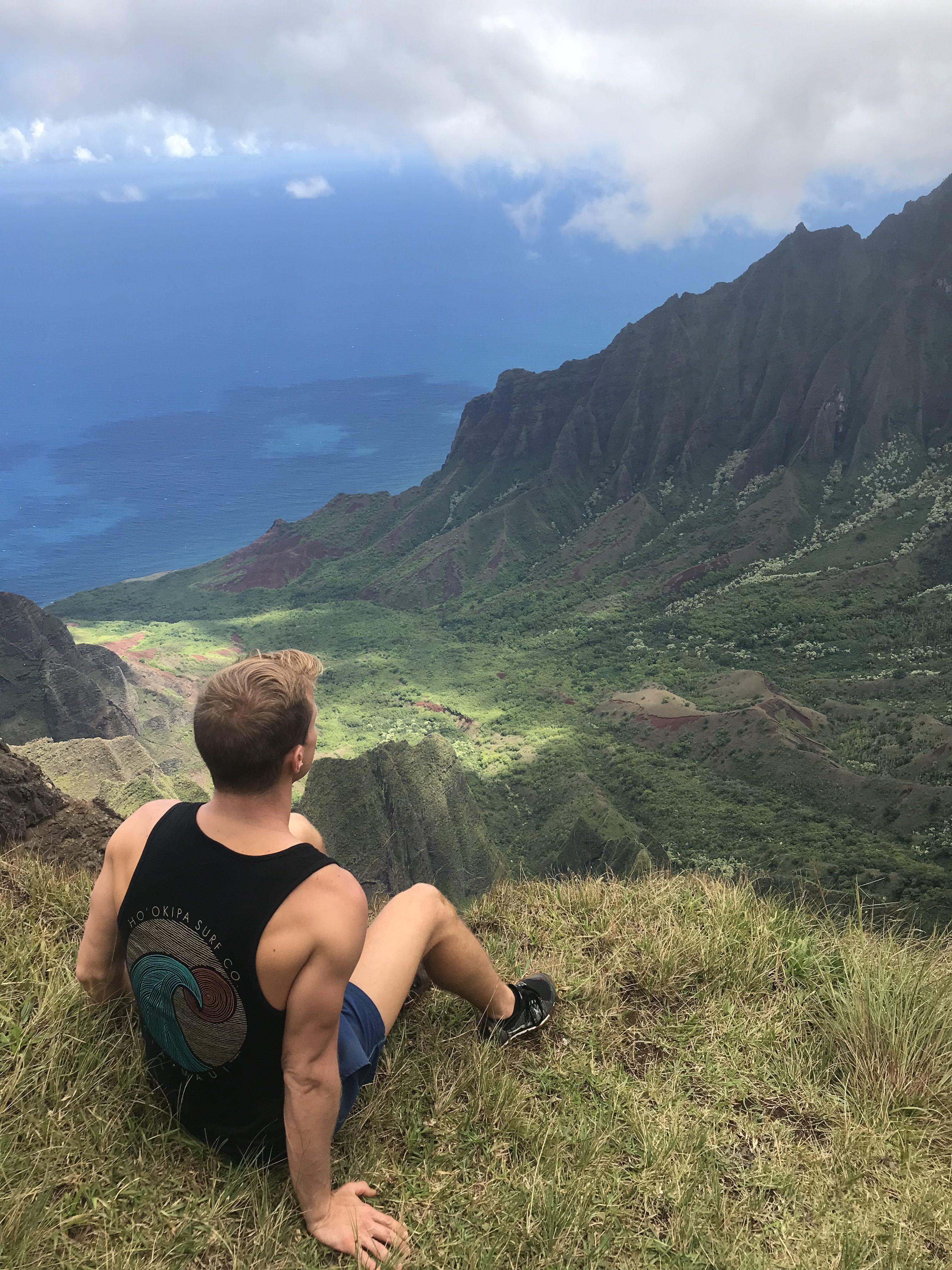 Gazing into Kalalau – Hawaii, USA
