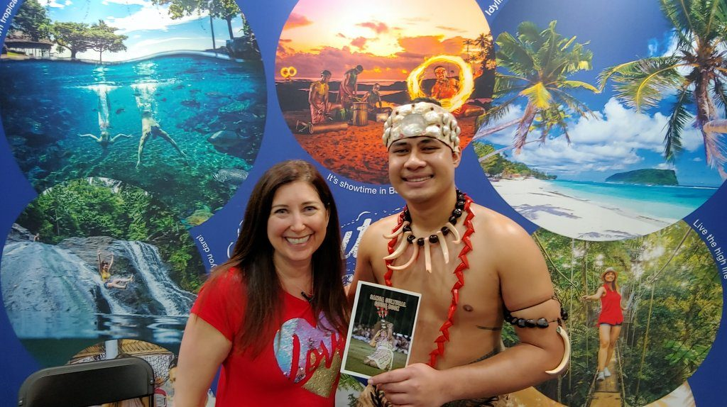 Lisa Niver at Los Angeles Travel and Adventure Show
