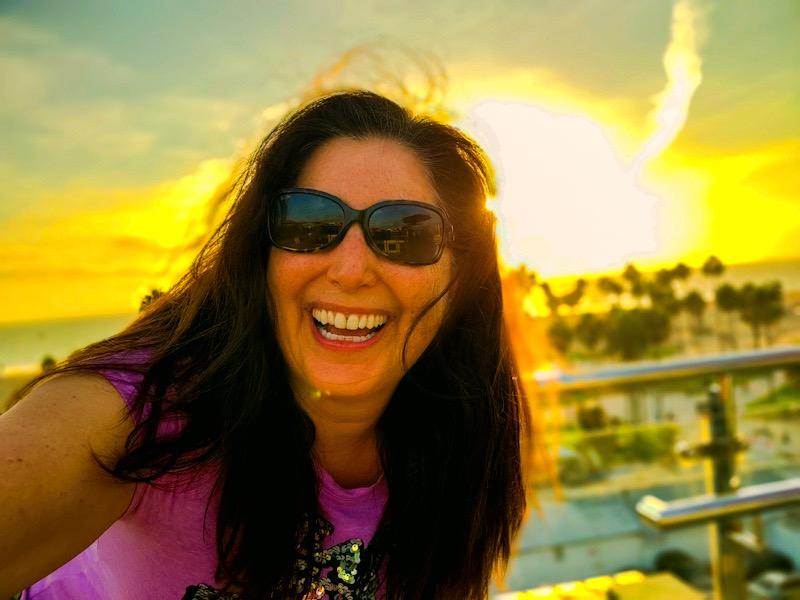 Lisa-Niver-Oct-18-2020-Hotel-Erwin-birhtday-Sunset